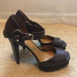 Beautiful Michael Kors heels!